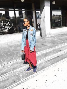 HOW TO STYLE A DENIM JACKET (2) – #itanndy Bershka burgundy Capri pants. Denim jacket. Black cropped top. Street style. Choker. Naturalista. Spring/summer fashion. Puma sneakers