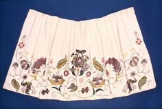 Early 18th century British Apron at the Museum of Fine Arts, Boston - I really like the embroidery on this.