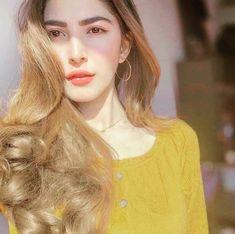 Girl Photo Poses, Girl Photography Poses, Girl Poses, Pakistani Girl, Pakistani Actress, Pakistani Dramas, Beauty P, Beauty Women, Bridal Chura
