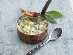 Rheinische Bohnensuppe ist ein Rezept mit frischen Zutaten aus der Kategorie Vorspeise. Probieren Sie dieses und weitere Rezepte von EAT SMARTER!