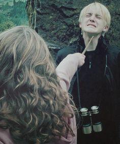emma charlotte duerre watson (hermione jean granger) / thomas andrew felton (draco lucius malfoy) - prisoner of azkaban Harry Potter Films, Harry Potter Theme, Harry Potter World, Draco And Hermione, Hermione Granger, Draco Malfoy, Yer A Wizard Harry, Prisoner Of Azkaban, Dramione