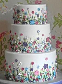 Summer meadow wedding cake - Cake by Ellie @ Ellie's Elegant Cakery by lynne Meadow Flowers, Tiny Flowers, Cream Flowers, Beginner Cake Decorating, Cake Decorating Amazing, Decorating Ideas, Flower Birthday Cakes, Fancy Birthday Cakes, Fancy Cakes