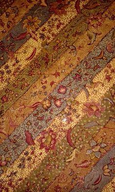Private collection of Arief Laksono. Indonesian Art, Batik Art, Batik Pattern, Traditional Fabric, Javanese, Shadow Puppets, Beautiful Patterns, Fabric Patterns, Ikat