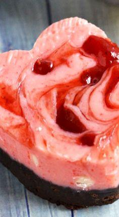 5 Ingredient Chocolate-Covered Strawberry Fudge