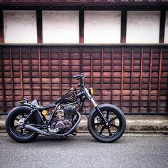 @aizawa_kenchiku #Yamaha #SR400 by the original @bratstyle #bobber #bratstyle…