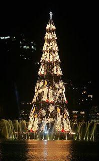 GLI ALBERI DI NATALE PIÙ BELLI DEL MONDO.  Rio de Janeiro, Brasile, l'Albero di Natale più grande del Mondo, come riporta il Guinnes World Records