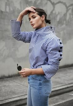 Wearing: Strateas Carlucci shirt, Frame Denim jeans, Ray-Ban Sunglasses, Natasha Schweitzer earring, Jimmy Choo heels Blue stripes and denim are that effortless go-to combo you can reach to time and t Look Fashion, Fashion Outfits, Fashion Tips, Blue Fashion, Chic Outfits, Fashion Trends, Street Chic, Street Style, Blue And White Shirt