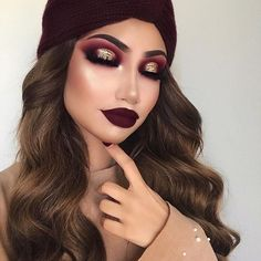 """My kind of fall makeup ✌ Makeup deets: Eyes: @limecrimemakeup Venus palette on the eyes @thebalm_cosmetics """"sexy"""" eyeshadow from the nude tude palette @inglot_usa pigment in 121 on the centre of the lid with @shopvioletvoss glitter in """"golden fairy"""" on top @lillylashes """"Caramel"""" Skin: @fentybeauty foundation in """"240"""" @fentybeauty killawatt in """"mean money/hustla babe"""" @tartecosmetics Park Ave princess bronzer Lips: @maccosmetics """"vino"""" lip liner and @colourpopcosmetics x @iluvsara..."""