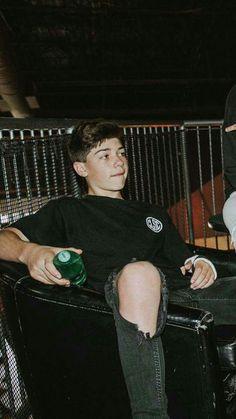 Jojo my love❤ Cute 13 Year Old Boys, Young Cute Boys, Cute Teenage Boys, Cute White Boys, Pretty Boys, Surfer Boys, Joey Matthew, Boys With Curly Hair, Surf Girls