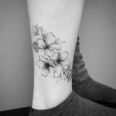 """Polubienia: 1,153, komentarze: 5 – coco schwarz (@cocoschwarz) na Instagramie: """"by frauke @fraukekatze books closed #tattoo #blackwork #tattoolookbook #blackworktattoo…"""""""