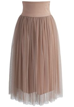 Channel your inner dancer (and, you know, actually maybe dance) in this caramel tulle skirt. With a midi length and such a neutral hue, this piece is perfect for day and nighttime looks.  - Adjustable Lace-up waist - Elastic waistband - Lined - 100% polyester - Hand wash  Size(cm)Length  Waist S/M        80    70-80 Size(inch) Length  Waist S/M        31.5  27.5-31.5      * S/M fits for US2-6 UK6-10 EU34-38 * Our model is 175 cm/5'7