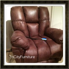 Man cave chair alert! Look out! Power is a nice touch to spoil dad!