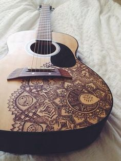 This Article Will Help You Know All About Learning Guitar. Are you interested in music? Do you want to learn about playing a guitar? Ukulele Art, Guitar Art, Cool Guitar, Violin, Cello, Luna Ukulele, Guitar Tattoo, Ukulele Design, Guitar Patterns
