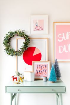 Try these 3 alternative ways to refresh your entryway for the holidays, without spending a ton of time stressing over it. Great tips for effortless decor, in partnership with @Framebridge  #Framebridge #ad
