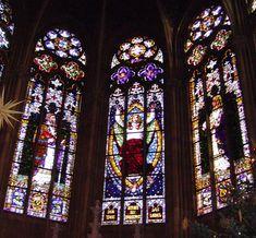 Gedächtniskirche der Protestation in Speyer. Glasfenster von Karl de Bouché Gedaechtniskirche Speyer Kaiserfenster.jpg