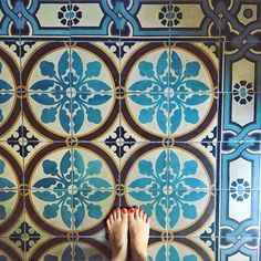 Feet and tiles by @irahok