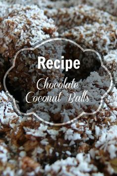 A great holiday Recipe: Chocolate Covered Coconut Balls. These treats are typical in Málaga and easy to make without the use of too many ingredients or an oven! Plus, they taste delicious! Tapas Recipes, Dessert Recipes, Holiday Recipes, Great Recipes, Best Spanish Food, Spanish Desserts, Delicious Desserts, Yummy Food, Coconut Balls