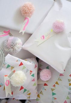 pom pom gift wrap accents // Concrete and Honey Wrapping Gift, Gift Wraping, Creative Gift Wrapping, Wrapping Ideas, Christmas Gift Wrapping, Creative Gifts, Pretty Packaging, Gift Packaging, Diy Pompon