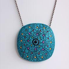 Occluded symmetry pendant