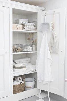 There's something rustic and homely about a gorgeously designed linen cupboard with neutral items resting inside. Place a custom designed linen closet in Closet Storage, Bathroom Storage, Bathroom Closet, Bathroom Cupboards, Bathroom Interior, Attic Storage, Closet Shelves, Room Shelves, Design Bathroom