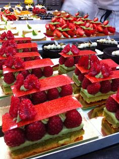 Photos of daily production in the pastry of Hotel du Cap Eden Roc in Antibes by the Pastry Chef Lilian Bonnefoi and his team. Greatest thank...