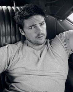 Karl Urban~! Apparently he spells it with a K. How hawt and infuriating. <3