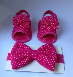 Baby African Clothes, Cute Baby Clothes, Baby Shoes Pattern, Shoe Pattern, Baby Sandals, Bare Foot Sandals, Baby Girl Shoes, Baby Girl Dresses, Baby Kit