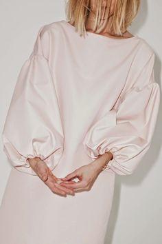 """I like your sleeves.they're real big"" Mode Style, Style Me, Fashion Details, Fashion Design, Fashion Trends, Estilo Retro, Fashion Beauty, Womens Fashion, Pink Fashion"