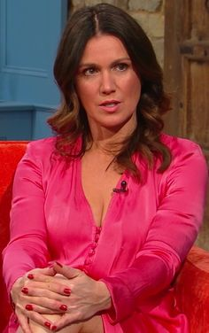 """""""Susanna Reid from morning tv this weekend, she is truly an unbelievably sexy milf"""" Beautiful Celebrities, Beautiful Actresses, Beautiful Females, Susanna Reid Legs, Sexy Older Women, Sexy Women, Curvy Women, Kate Galloway, Suzanna Reid"""