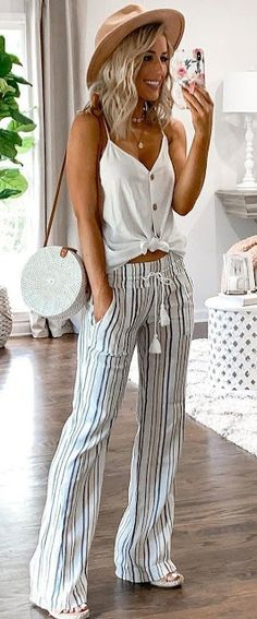 50 beliebte Sommeroutfits, die du haben musst – Outfits – 50 popular summer outfits you need to have – outfits – have stylish summer trendy summer outfitTeen clothes. Discover d Fashion Mode, Look Fashion, Fashion Hats, Womens Fashion Outfits, Fashion Trends, Prep Fashion, Fashion Accessories, Fashion Dresses, 2000s Fashion