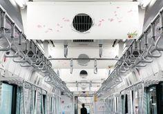 駅も電車も突き破る!「モンスト」を日本中でPR 山手線のADトレイン。中吊り広告にも「突き破り」の表現が徹底されている。 Japan Design, Campaign, Banner, Advertising, Sleep, Train, Poster, Inspiration, Image