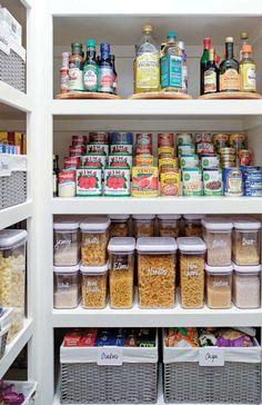 Kitchen Organization Pantry, Home Organisation, Pantry Storage, Kitchen Storage, Organization Ideas, Pantry Ideas, Bathroom Organization, Organized Pantry, Bathroom Ideas