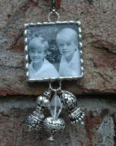 Custom Photo Pendants make GREATChristmas gifts for Moms and Grandmas!!!   www.sassyandsouthern.com