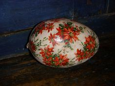 Rare holly egg candy container