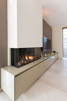 Kamin Konsole Ideen TV and fireplace # fireplace Check more at fireplace console . Fireplace Console, Living Room Decor Fireplace, Home Fireplace, Modern Fireplace, Living Room Tv, Fireplace Design, Home And Living, Fireplaces, Linear Fireplace