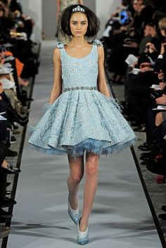 See the complete Oscar de la Renta Fall 2012 Ready-to-Wear collection.
