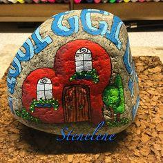 ❤Hjerterum❤#malpåsten#sten#stenelene#paintedstones#stones#rockpainting#rocks#hvordererhjerterumerderhusrum#komindenfor#welcome#thisiswhatido#thisiswhatilove ❤