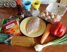 Smażony makaron po chińsku z jajkiem • origamifrog.pl Camembert Cheese, Dairy, Food, Essen, Meals, Yemek, Eten