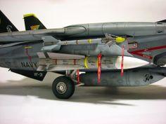 David Porter's online modelling portfolio; 1/32 Scale Trumpeter F-14D Super Tomcat