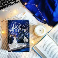 book jumper by alittlebookworld