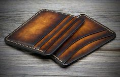 Minimalist Leather Wallet for Men. 6 Credit card Pockets