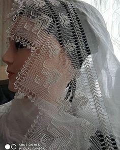 İğne Oya'm 😊 (@ignemin_hunerleri) • Instagram fotoğrafları ve videoları Needle Lace, Diy Fashion, Shawl, Victorian, Handmade, Instagram, Dresses, Made By Hands, Lace