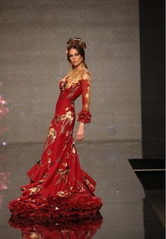 Flamenco Fashion by Lina, 2013 Spanish Dress, Spanish Style, Flamenco Costume, Flamenco Dresses, Runway Fashion, Fashion Beauty, Mode Costume, Spanish Fashion, Mannequins