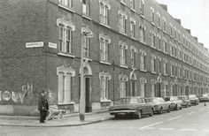 Undated Crampton Street and Amelia Street South London, Old London, Old Fashioned Photos, Elephant And Castle, London History, London Photos, Being A Landlord, Old Photos, Amelia