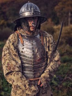 Explore foreigner2009's photos on Flickr. foreigner2009 has uploaded 3274 photos to Flickr. Medieval Armor, Medieval Fantasy, Types Of Armor, Armor Clothing, Armadura Medieval, Landsknecht, Live Picture, Knight Armor, Arm Armor