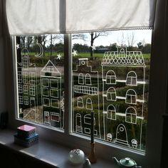 DIY met krijtstift. Leuk om de ramen te versieren voor Sinterklaas!