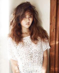 tone down the sexy and go for an innocent image for Elle Girl magazine. South Korean Girls, Korean Girl Groups, Heo Ga Yoon, Kim Hyuna, Pops Concert, Girl Korea, Girls Magazine, Cube Entertainment, Girl Costumes