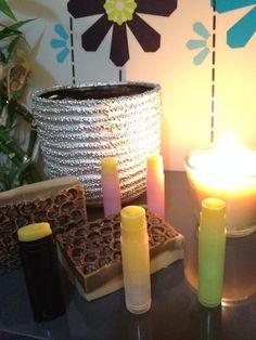 """Le tableau final de mes petites fleurs de miel !! Avec ces jolis baumes, je clôture mes essais avec la magnifique fragrance Fleurs de Miel des Essentielles de Cristine qui fait désormais partie de mes coups de cœur """"Essentiels"""" ! Elle a été une parfaite..."""