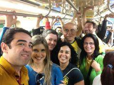 Senador Eduardo Suplicy vai ao Itaquerão usando o metrô http://r7.com/5J9c