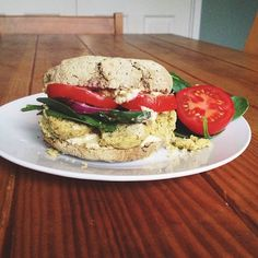 Probably the most soul satisfying lunch ever: Homemade falafel, baby spinach, onion, plum tomatoes and loads of hummus, all stacked inside a freshly baked and still warm from the oven buckwheat bun  #Padgram